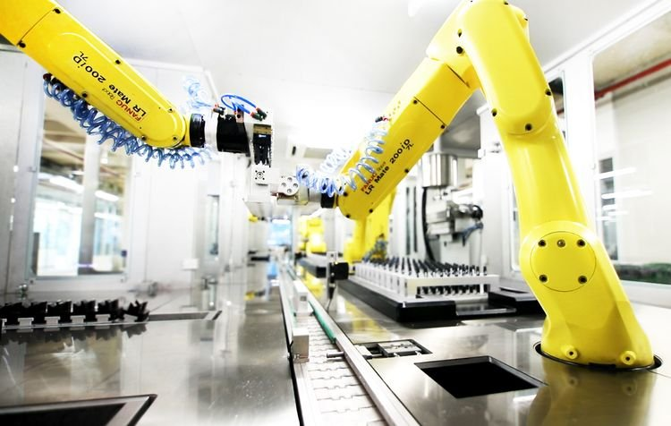 Part handling between robots – FANUC LR Mate 200iD/7L ©Fanuc Europe Corporation