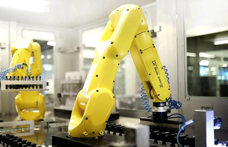 Robot picking in cosmetics industry by using vision systems ©Fanuc Europe Corporation