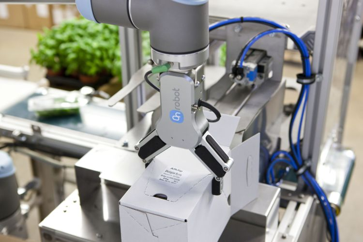 OnRobot's new collaborating gripper RG6 can move loads of up to six kilograms with an adjustable force between 25 and 120 Newton, © image: OnRobot